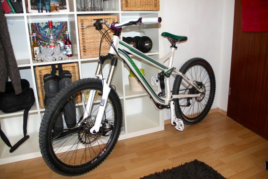 Specialized Pitch Pro Full Suspension Enduro/ Freeride
